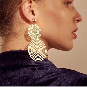 Double Round swirly hoop earrings gold color